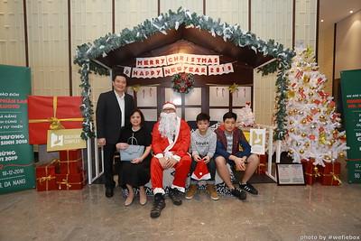 BachDangComplex-ChristmasPhotobooth-Chup-hinh-in-anh-lay-lien-Giang-sinh-tai-Da-Nang-WefieBox-Photobooth-Vietnam-027