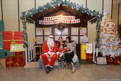 BachDangComplex-ChristmasPhotobooth-Chup-hinh-in-anh-lay-lien-Giang-sinh-tai-Da-Nang-WefieBox-Photobooth-Vietnam-040