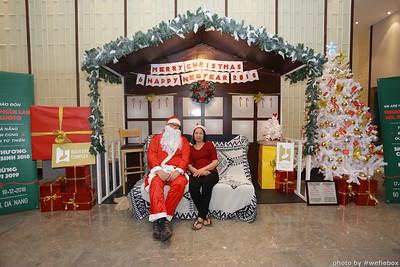 BachDangComplex-ChristmasPhotobooth-Chup-hinh-in-anh-lay-lien-Giang-sinh-tai-Da-Nang-WefieBox-Photobooth-Vietnam-014