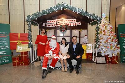 BachDangComplex-ChristmasPhotobooth-Chup-hinh-in-anh-lay-lien-Giang-sinh-tai-Da-Nang-WefieBox-Photobooth-Vietnam-002