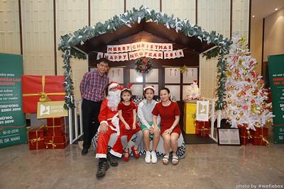 BachDangComplex-ChristmasPhotobooth-Chup-hinh-in-anh-lay-lien-Giang-sinh-tai-Da-Nang-WefieBox-Photobooth-Vietnam-003