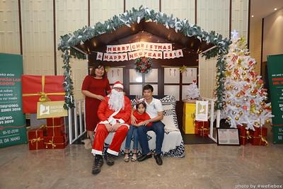 BachDangComplex-ChristmasPhotobooth-Chup-hinh-in-anh-lay-lien-Giang-sinh-tai-Da-Nang-WefieBox-Photobooth-Vietnam-005