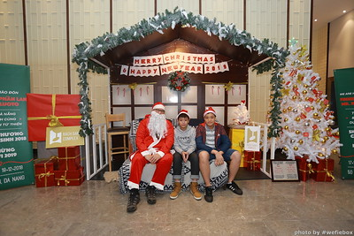 BachDangComplex-ChristmasPhotobooth-Chup-hinh-in-anh-lay-lien-Giang-sinh-tai-Da-Nang-WefieBox-Photobooth-Vietnam-025