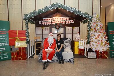 BachDangComplex-ChristmasPhotobooth-Chup-hinh-in-anh-lay-lien-Giang-sinh-tai-Da-Nang-WefieBox-Photobooth-Vietnam-023