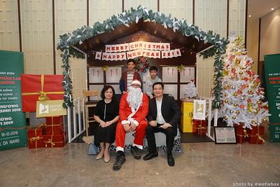 BachDangComplex-ChristmasPhotobooth-Chup-hinh-in-anh-lay-lien-Giang-sinh-tai-Da-Nang-WefieBox-Photobooth-Vietnam-028