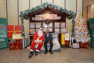 BachDangComplex-ChristmasPhotobooth-Chup-hinh-in-anh-lay-lien-Giang-sinh-tai-Da-Nang-WefieBox-Photobooth-Vietnam-008