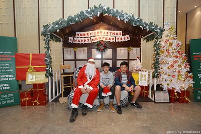 BachDangComplex-ChristmasPhotobooth-Chup-hinh-in-anh-lay-lien-Giang-sinh-tai-Da-Nang-WefieBox-Photobooth-Vietnam-026