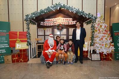 BachDangComplex-ChristmasPhotobooth-Chup-hinh-in-anh-lay-lien-Giang-sinh-tai-Da-Nang-WefieBox-Photobooth-Vietnam-034