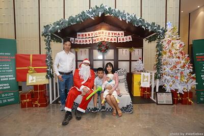 BachDangComplex-ChristmasPhotobooth-Chup-hinh-in-anh-lay-lien-Giang-sinh-tai-Da-Nang-WefieBox-Photobooth-Vietnam-007