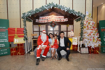 BachDangComplex-ChristmasPhotobooth-Chup-hinh-in-anh-lay-lien-Giang-sinh-tai-Da-Nang-WefieBox-Photobooth-Vietnam-013