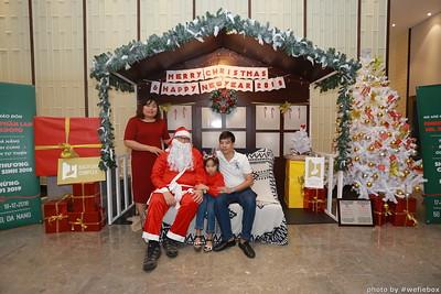 BachDangComplex-ChristmasPhotobooth-Chup-hinh-in-anh-lay-lien-Giang-sinh-tai-Da-Nang-WefieBox-Photobooth-Vietnam-006