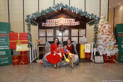 BachDangComplex-ChristmasPhotobooth-Chup-hinh-in-anh-lay-lien-Giang-sinh-tai-Da-Nang-WefieBox-Photobooth-Vietnam-031