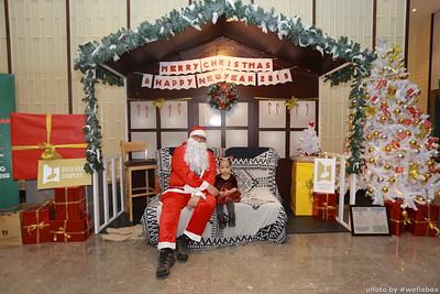 BachDangComplex-ChristmasPhotobooth-Chup-hinh-in-anh-lay-lien-Giang-sinh-tai-Da-Nang-WefieBox-Photobooth-Vietnam-044