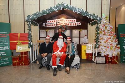 BachDangComplex-ChristmasPhotobooth-Chup-hinh-in-anh-lay-lien-Giang-sinh-tai-Da-Nang-WefieBox-Photobooth-Vietnam-020