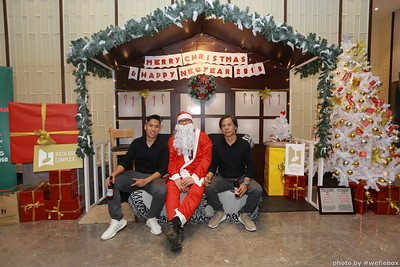 BachDangComplex-ChristmasPhotobooth-Chup-hinh-in-anh-lay-lien-Giang-sinh-tai-Da-Nang-WefieBox-Photobooth-Vietnam-041