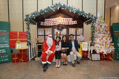 BachDangComplex-ChristmasPhotobooth-Chup-hinh-in-anh-lay-lien-Giang-sinh-tai-Da-Nang-WefieBox-Photobooth-Vietnam-024