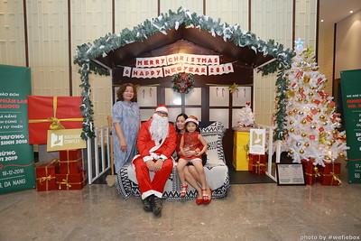 BachDangComplex-ChristmasPhotobooth-Chup-hinh-in-anh-lay-lien-Giang-sinh-tai-Da-Nang-WefieBox-Photobooth-Vietnam-018