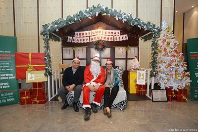 BachDangComplex-ChristmasPhotobooth-Chup-hinh-in-anh-lay-lien-Giang-sinh-tai-Da-Nang-WefieBox-Photobooth-Vietnam-019