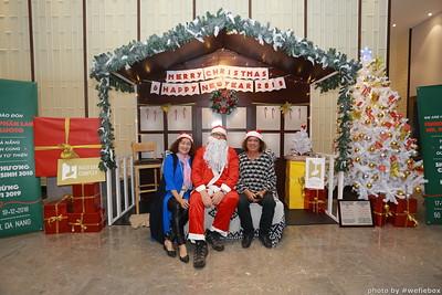 BachDangComplex-ChristmasPhotobooth-Chup-hinh-in-anh-lay-lien-Giang-sinh-tai-Da-Nang-WefieBox-Photobooth-Vietnam-021