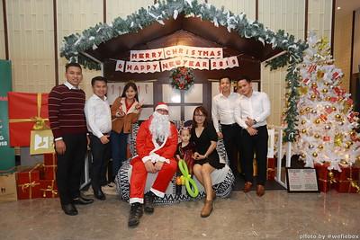 BachDangComplex-ChristmasPhotobooth-Chup-hinh-in-anh-lay-lien-Giang-sinh-tai-Da-Nang-WefieBox-Photobooth-Vietnam-043