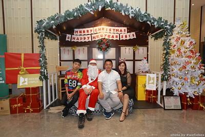 BachDangComplex-ChristmasPhotobooth-Chup-hinh-in-anh-lay-lien-Giang-sinh-tai-Da-Nang-WefieBox-Photobooth-Vietnam-045