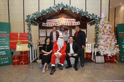 BachDangComplex-ChristmasPhotobooth-Chup-hinh-in-anh-lay-lien-Giang-sinh-tai-Da-Nang-WefieBox-Photobooth-Vietnam-029