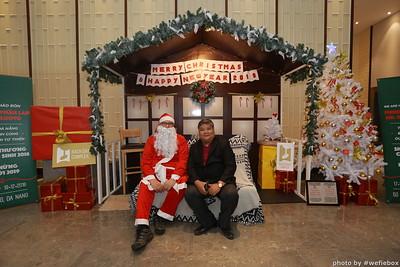 BachDangComplex-ChristmasPhotobooth-Chup-hinh-in-anh-lay-lien-Giang-sinh-tai-Da-Nang-WefieBox-Photobooth-Vietnam-001