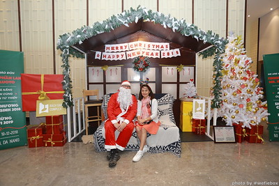 BachDangComplex-ChristmasPhotobooth-Chup-hinh-in-anh-lay-lien-Giang-sinh-tai-Da-Nang-WefieBox-Photobooth-Vietnam-022