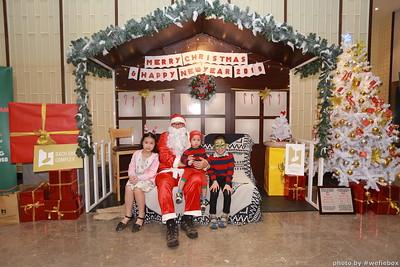 BachDangComplex-ChristmasPhotobooth-Chup-hinh-in-anh-lay-lien-Giang-sinh-tai-Da-Nang-WefieBox-Photobooth-Vietnam-046