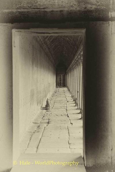 Angkor War Corridor