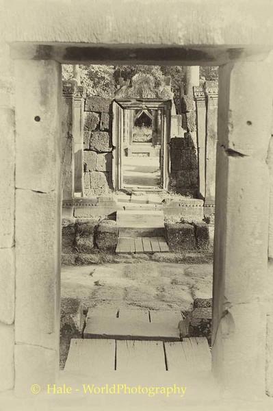 Banteay Sri Doorways