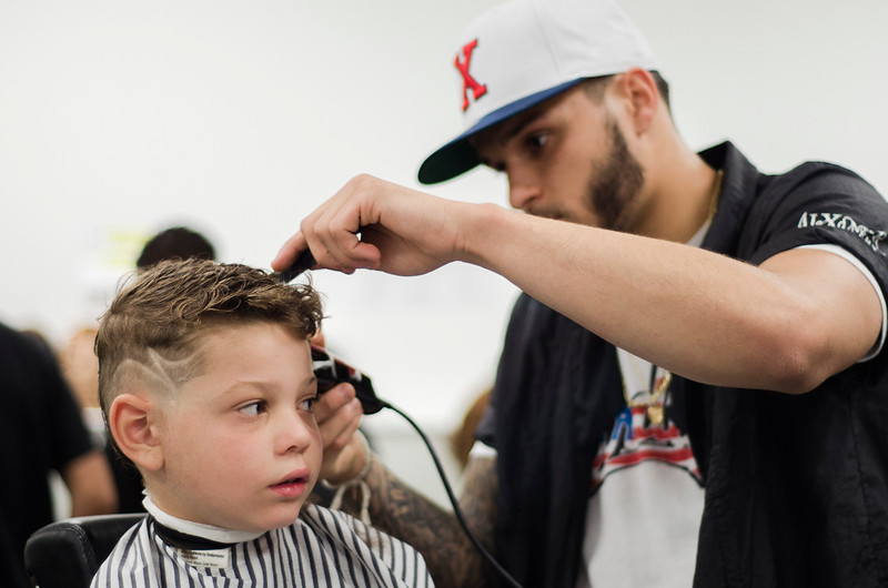 Barbers And Soon To Be Stylists Give Kids Free Cuts Sentinel