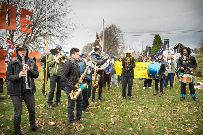 Backbone Campaign TPP XBorder Ra11y Peace Arch Park 12-02-2012