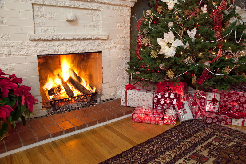 Christmas-Fireplace-Red