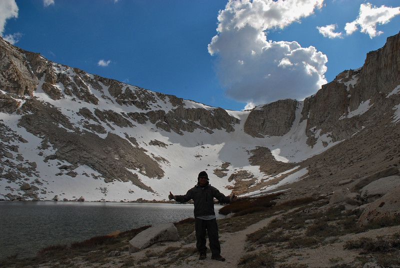 Old Army Pass behind me is totally covered with snow and no trace of trail could be found.