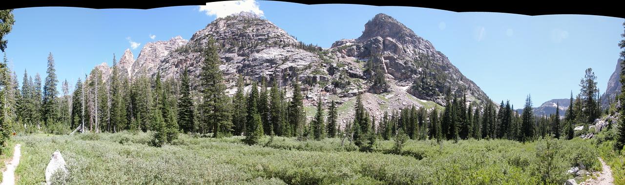 Cascade Canyon trail pano