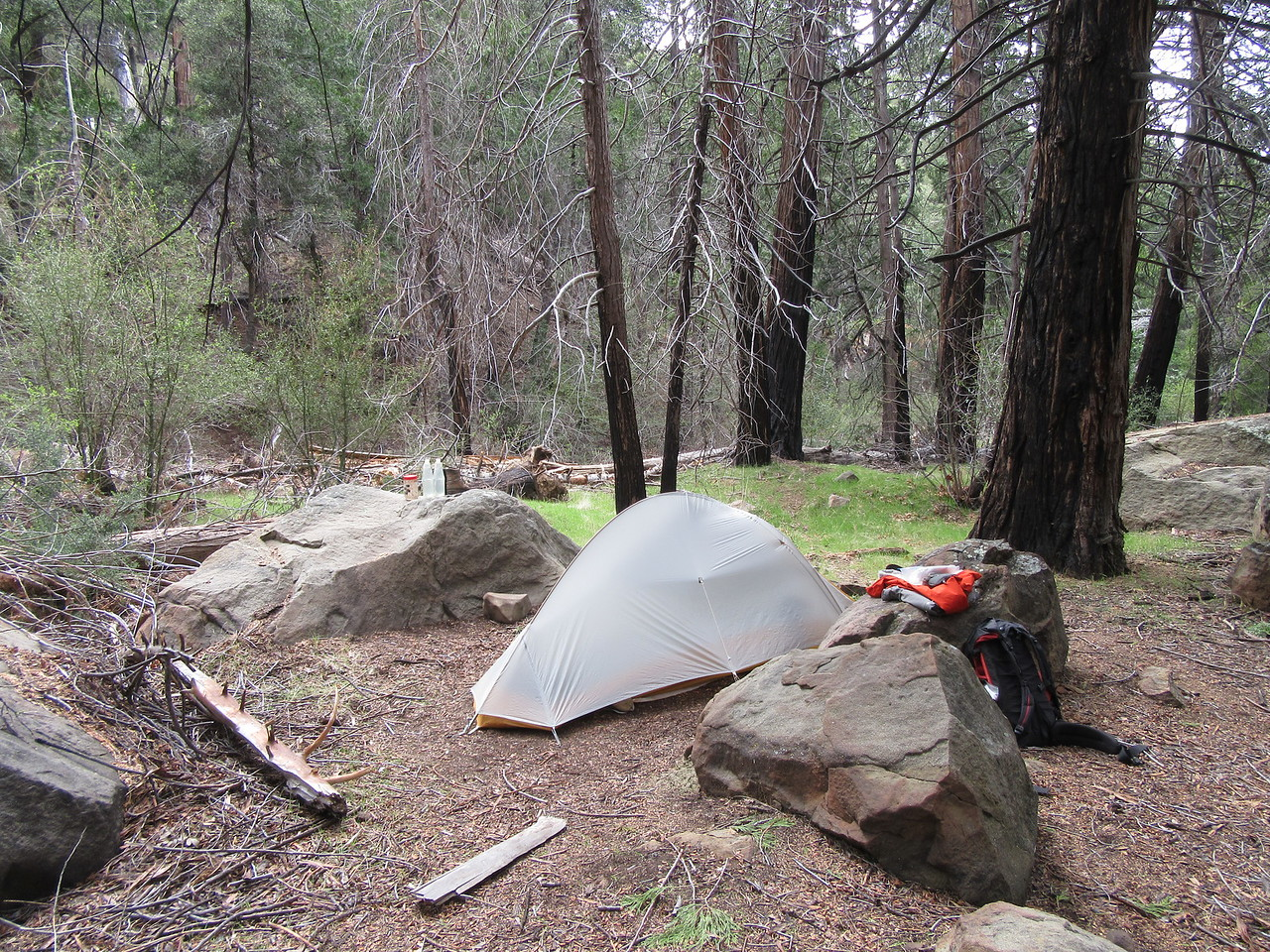 Therefore, I continued up the trail to Upper Bear Camp (5253'), which is now a much safer and nicer place to camp, especially with ...