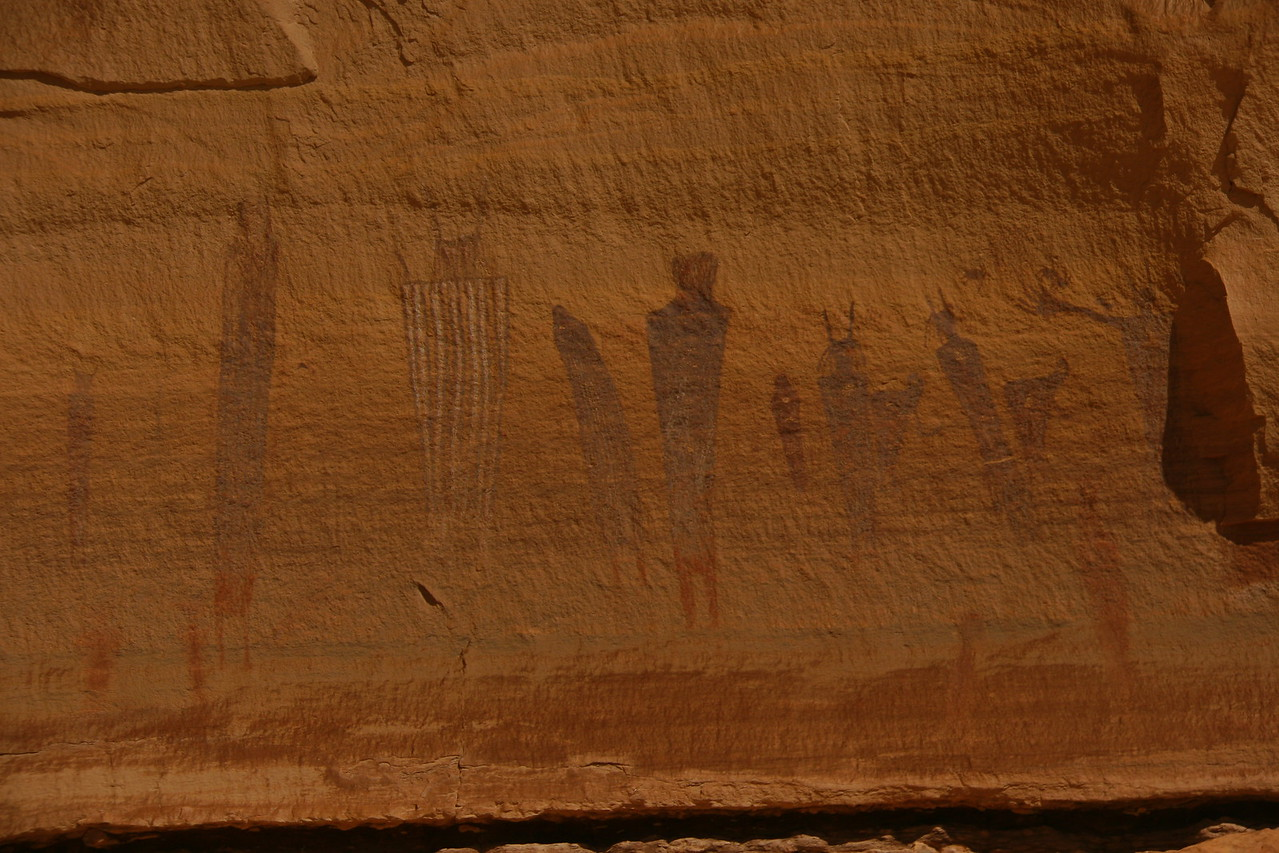 The Harvest Scene is one of the better pictographs in canyon country. This photo is taken at mid-day and doesn't show much detail.