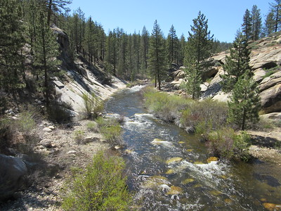 ... a look upstream from Little Kern Bridge (5760') and then later ...