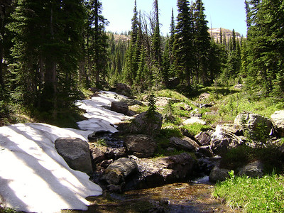 Heading up towards the pass before the Necklace Lakes area.