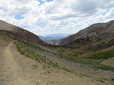 Upon reaching Farewell Gap (10,588'), I had this look back south down Little Kern Canyon and beyond in the Golden Trout Wilderness, then ...