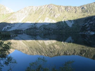 ... began my climb up along the south side of Lake Sabrina (9,128') where ...