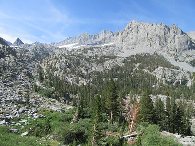 .... finally cresting out (9,842') near where I got this closer look at the Palisades of the Sierra Crest.