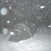 After midnight on Day 6 the snow keeps falling so I go out and take a flash fotog of the tent in great conditions.