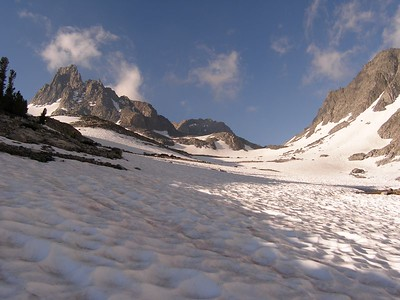 Not far above 1000 Island Lake, the path to N. Glacier Pass became a snowfilled basin.