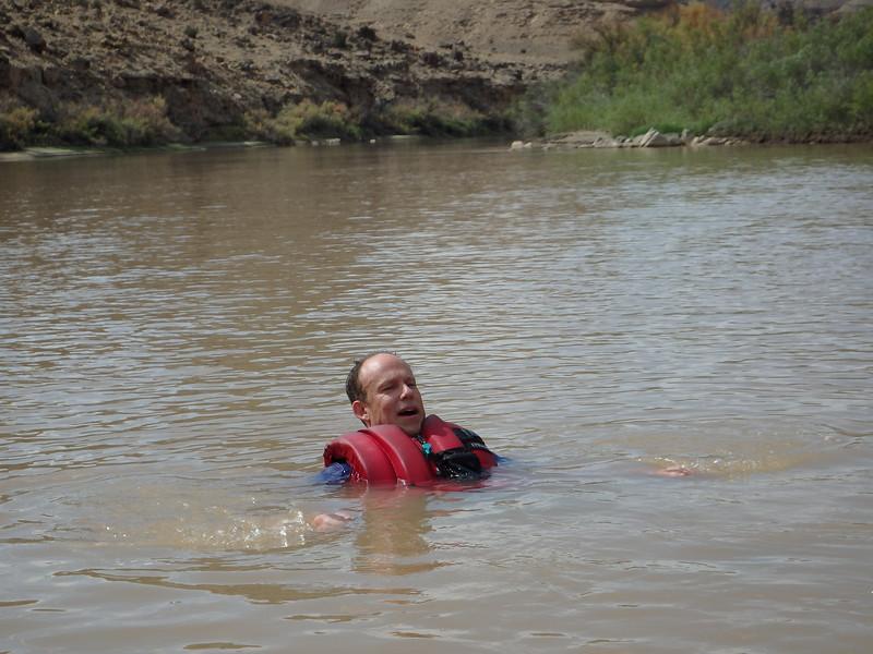 Tauri Swimming