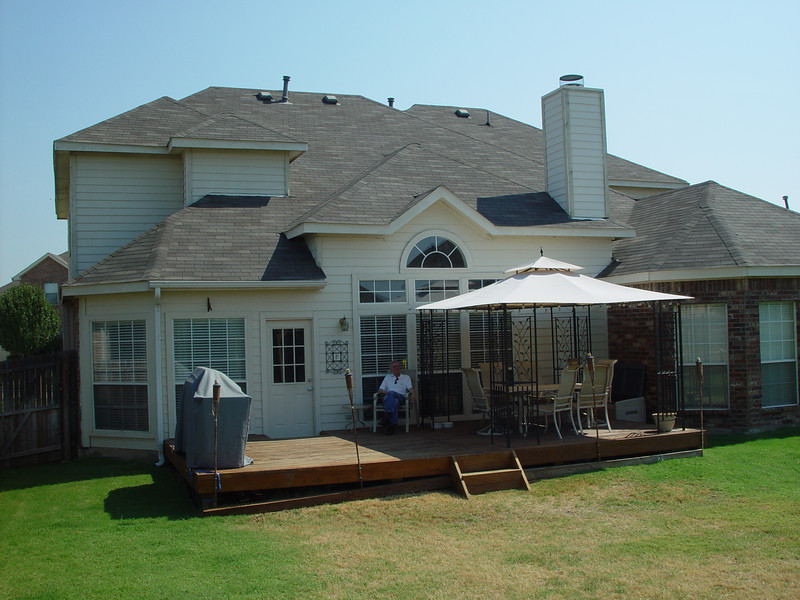 view of deck and house from southwest corner (8/18/06)