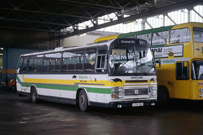 Badgerline 2081 Bristol Bus Stn May 86
