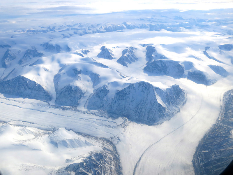 Glaciers to the southeast of Pond Inlet