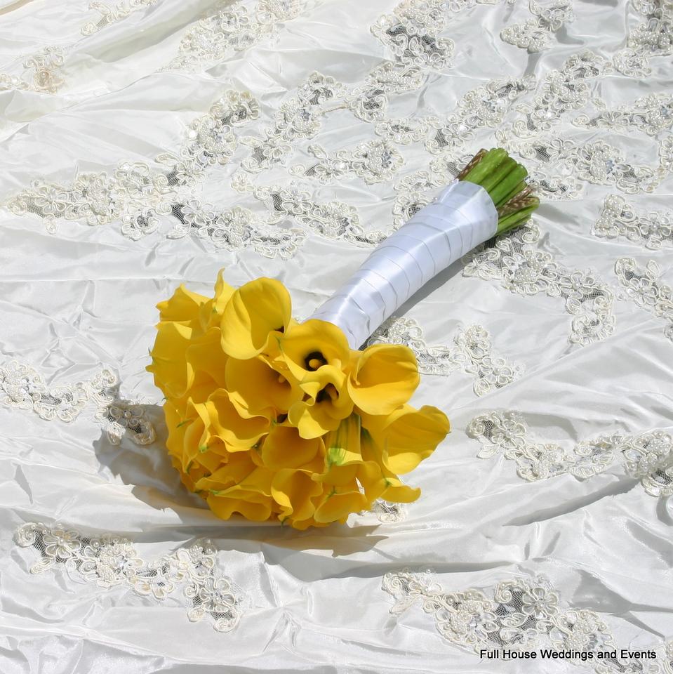 Bouquet - Yellow Mini Calla Lilies